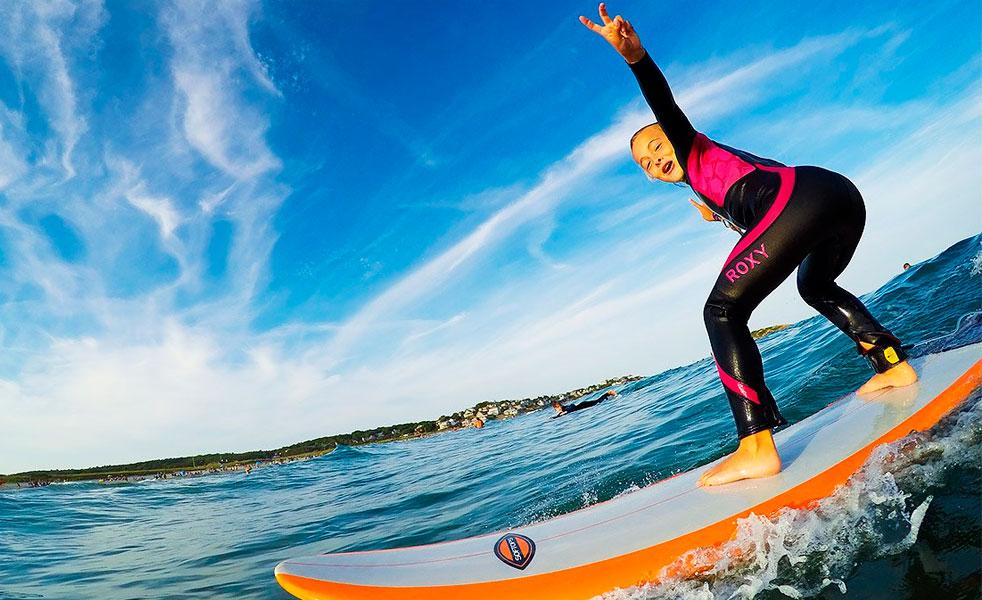 Windsurf Disegno: Practica Deportes Acuáticos Este Verano